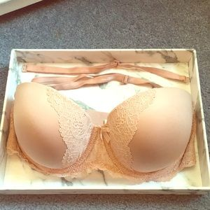Victoria's Secret Nude/Lace Multi-Way Bra